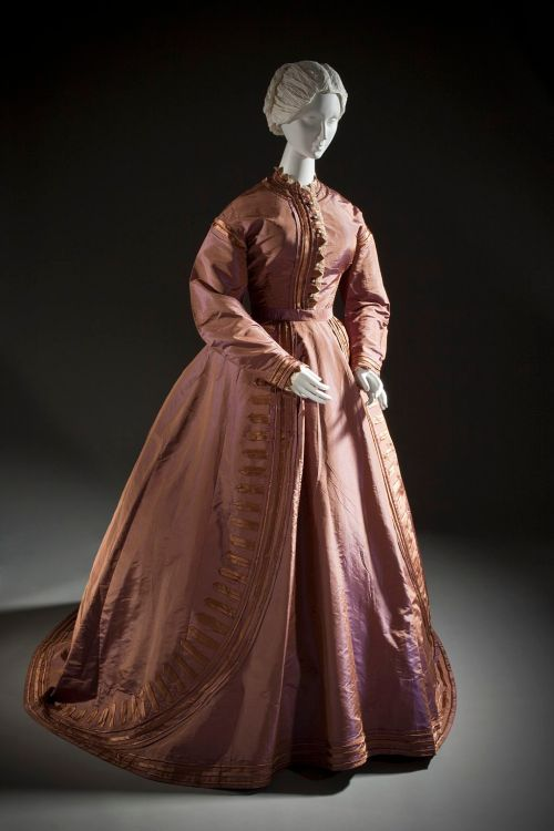 womans_silk_taffeta_dress_c__1865